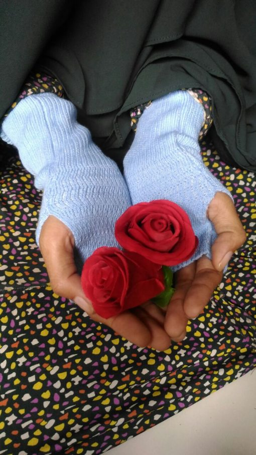 Handsock Rajut Naureen Biru Muda